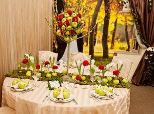 Decoratiuni de nunta realizate cu fructe